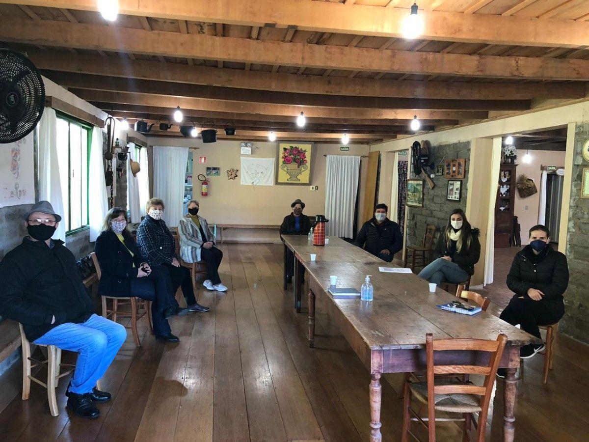 Administração Municipal e Diretoria do Filó tratam sobre ajustes